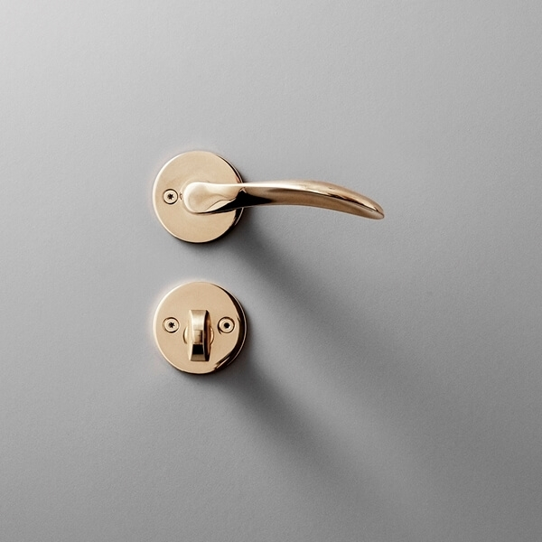 Arne Jacobsen lever handle brass